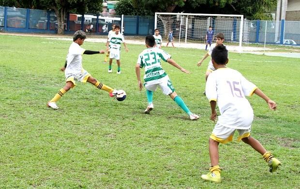 Futebol de base do Amazonas (Foto: Frank Cunha/Globoesporte.com)
