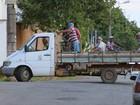 Caminhão transporta funcionários da Prefeitura irregularmente em Oliveira