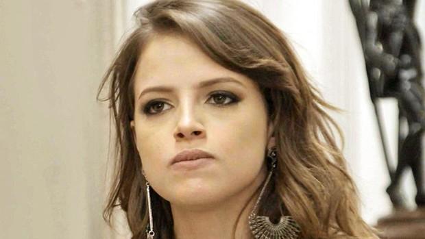 Camila ameaça desmascarar Leozinho para Fedora (Globo)