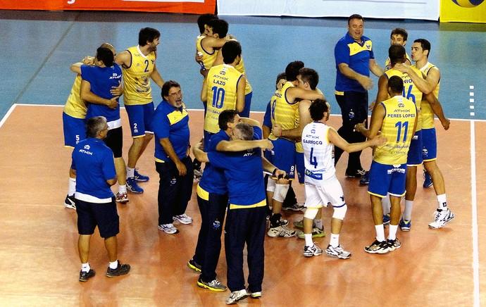 UPCN vôlei comemoração jogo Minas (Foto: Léo Simonini)