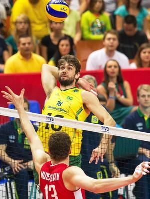 Brasil x Rússia volêi - Lucão (Foto: Efeservicios)
