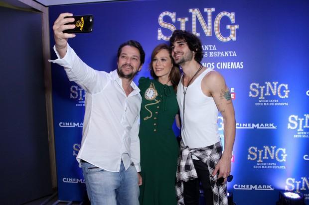 Marcelo Serrado, Mariana Ximenes e Fiuk (Foto: Thyago Andrade / Brazil News)