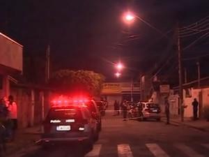 Nilza foi morta na rua do escritório onde trabalha, em Pinda. (Foto: Reprodução/TV Vanguarda)