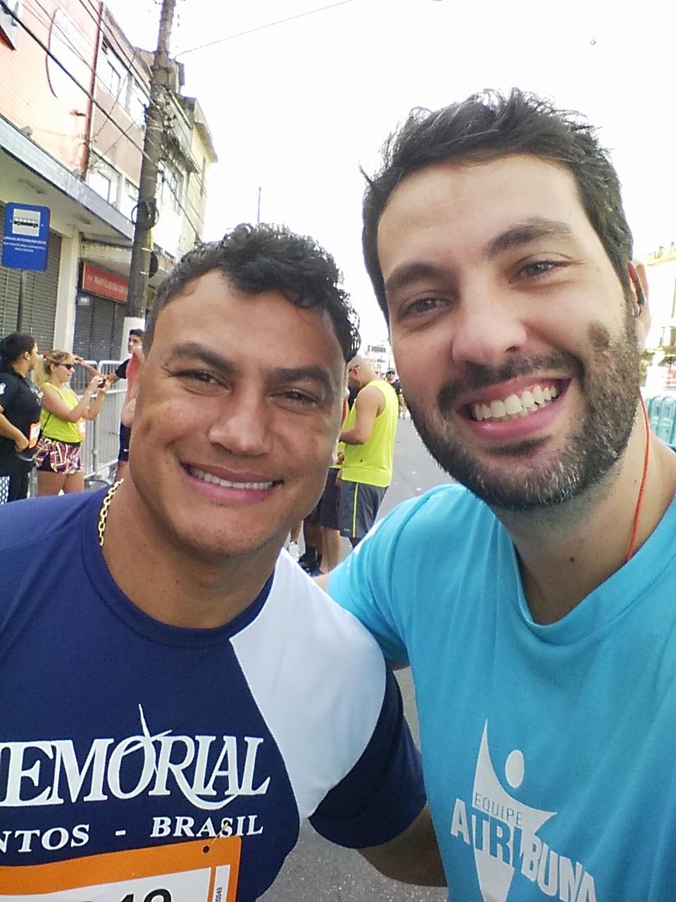 """Leonardo Neves Carvalho e o ex-pugilista brasileiro Acelino """"Popó"""" Freitas (Foto: Arquivo Pessoal)"""