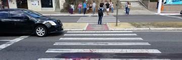 Mulher é atropelada por ônibus após cair de moto em Vitória (Caíque Verli/ A Gazeta)