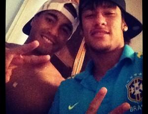 Neymar parabeniza o jogador Lucas (Foto: Reprodução  / Instagram)