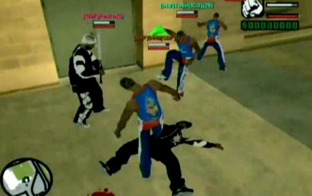 GTA Torcidas, uma adaptação pirata de um jogo de ação, simula briga entre organizadas (Foto: Reprodução SporTV)