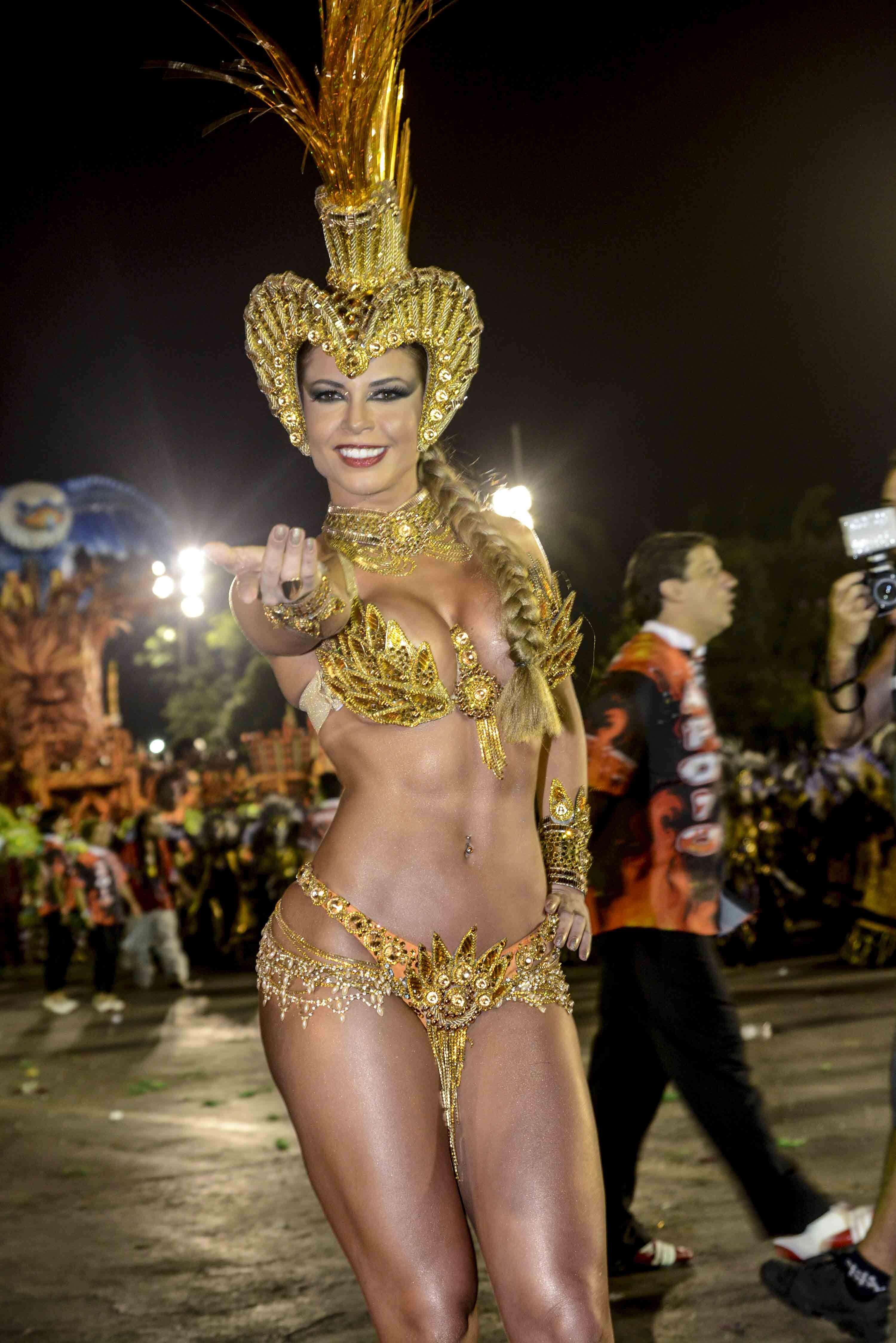 Cacau Colucci Carnaval Cacau Colucci Foto Léo