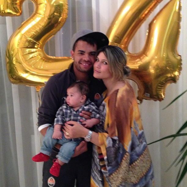 Dani Souza com o marido, Dentinho, e o filho do casal, Bruno Lucas (Foto: Instagram/ Reprodução)