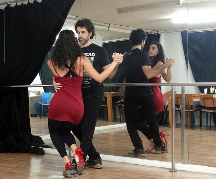 Débora Nascimento e Eriberto Leão provam que têm talento também para a dança (Foto: Walter Dhein/Gshow)