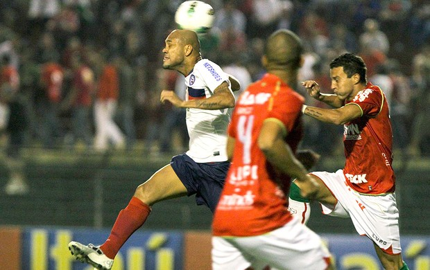 Souza no jogo do Bahia contra a Portuguesa (Foto: Ale Cabral / Futura Press)