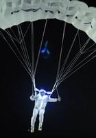 Paraquedistas da Portela emocionam público (Alexandre Durão/G1)