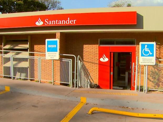 Agência do Banco Santander no campus da Unesp em Jaboticabal (SP) (Foto: Reprodução/EPTV)