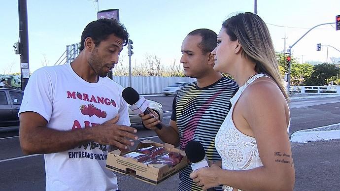 Alex é um sergipano que tem se virado na crise (Foto: TV Sergipe)