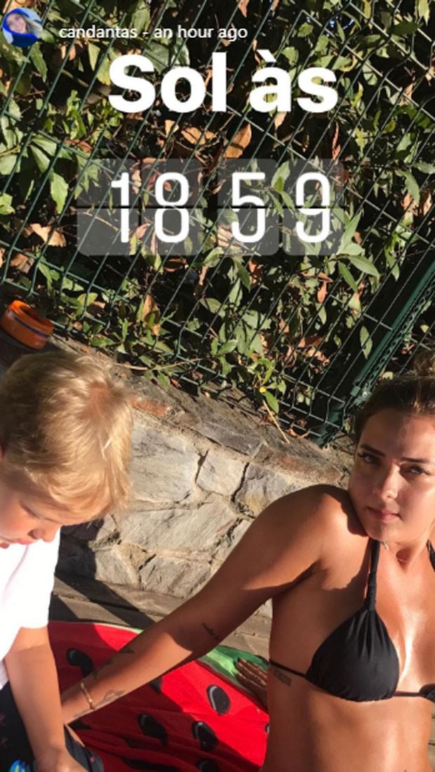 Carol Dantas curte dia de sol com filho (Foto: Reprodução)