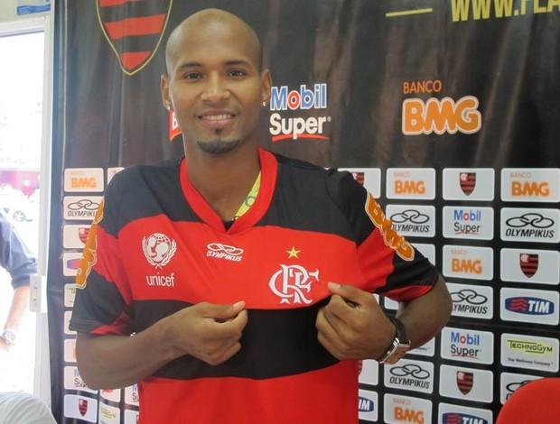Apresentação lateral-direito Wellington Flamengo (Foto: Richard de Souza / globoesporte.com)