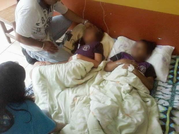 Crianças passaram mal em escola e foram levadas para hospital em microônibus (Foto: Juliane Santos/ Arquivo pessoal)
