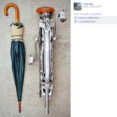 Italiano cria bicicleta dobrável que fica do tamanho de um guarda-chuva (Foto: Divulgação / Facebook)