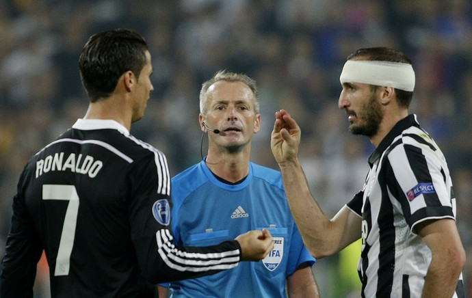 Chiellini x Cristiano Ronaldo - Juventus x Real Madrid (Foto: Reuters)
