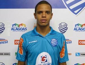 Lucas Garcia veste a camisa do CSA (Foto: Bruno Felix/Divulgação CSA)