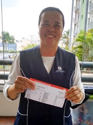 Funcionária do Hospital Albert Einstein Maria Aparecida Oliveira ganhou tablet após reduzir consumo de água em cas