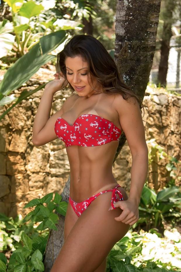 Andressa Ferreira faz ensaio exibindo sua boa forma (Foto: Rosiane Ramos/Divulgação)