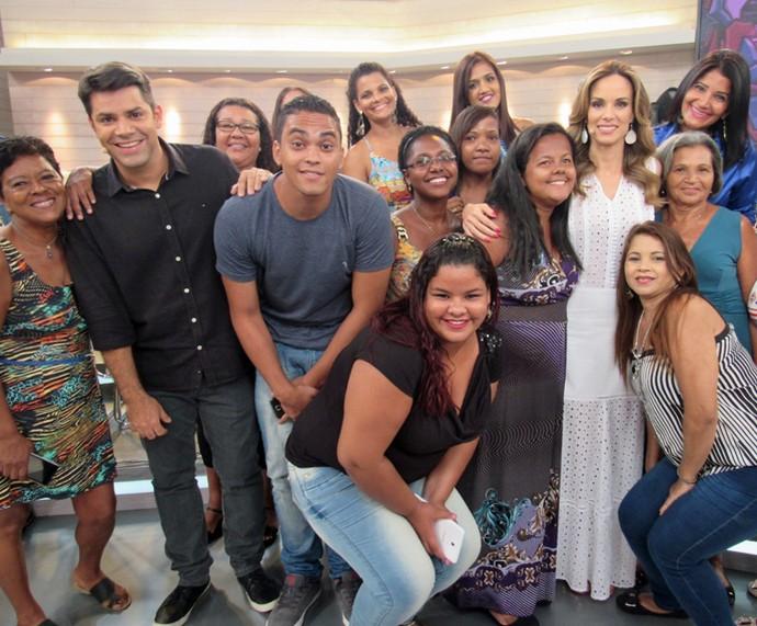 Ana Furtado e Lair Rennó com a plateia do programa (Foto: Priscilla Massena/Gshow)