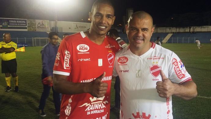 Fernando e Roni em jogo beneficente em Aparecida de Goiânia (Foto: Murillo Velasco)
