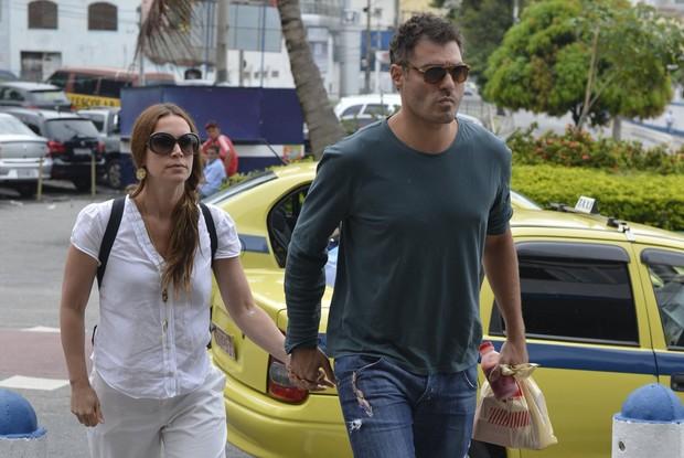 Thiago Lacerda e Vanessa Lóes no velório de Lidia Mattos (Foto: Andre Muzell / AgNews)