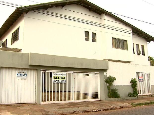 Proprietários chegam a abrir mão de alugueis para atrair novos inquilinos (Foto: Cláudio Oliveira/EPTV)