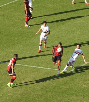 Vitória x São Paulo (Foto: Marcelo Hazan)