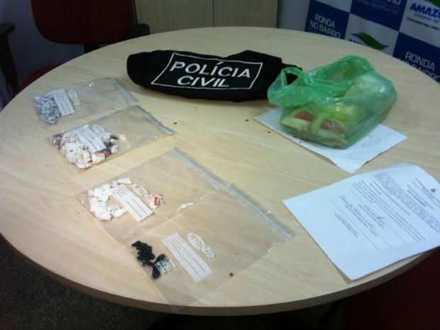 Drogas apreendidas com os suspeitos (Foto: Camila Henriques/G1 AM)