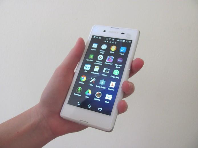 Excesso de aplicativos em celular com pouca memória pode deixar aparelho travando. Foto: Luciana Vieira/Techtudo