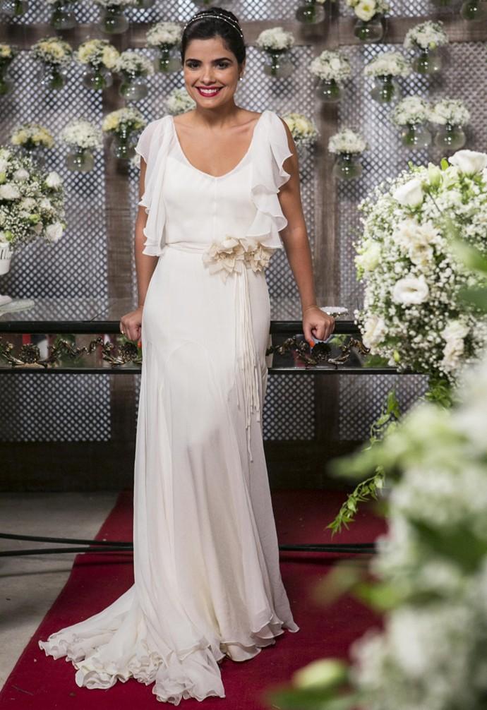 Vanessa Giácomo grava vestida de noiva (Foto: Inácio Moraes / Gshow)