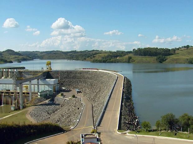 Lago de Furnas já se recuperou em 70% desde 2012 (Foto: Reprodução EPTV)
