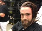 Lucas Valença, o 'Hipster da Federal', apara a barba e posa sem o coquinho