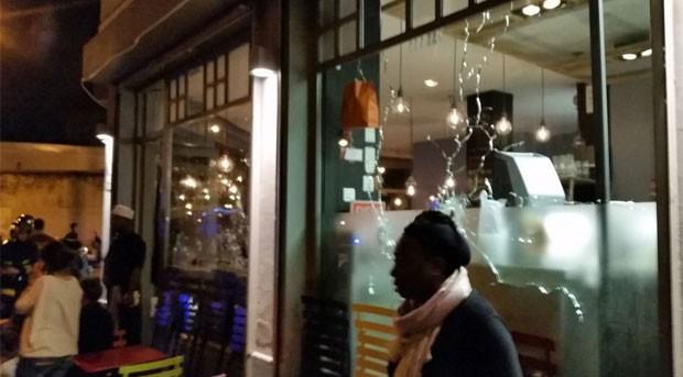 Foto de rede social mostra local do tiroteio em Paris (Foto: Reprodução/Vince)