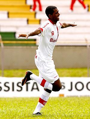 giovani internacional gol primeira camisa (Foto: Wander Roberto / Vipcomm)