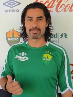 Atacante Josiel assina com Cuiabá para disputar a Série C (Foto   Assessoria Cuiabá ccbdd5c76c37d