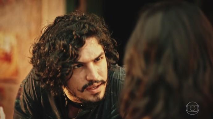 Miguel não sai da cabeça de Olívia (Foto: TV Globo)