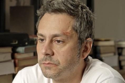 Romero (Alexandre Nero) trairá confiança de investidor (Foto: Reprodução/TV Globo)