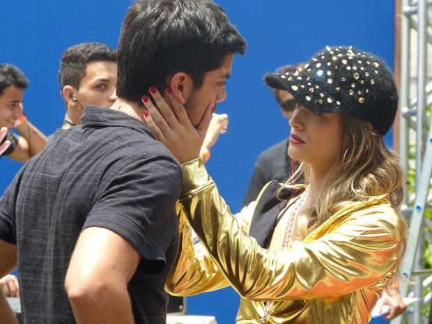 Fatinha vai enrolar o cara de novo, hein? Será que o Bruno vai ceder? (Foto: Malhação / TV Globo)