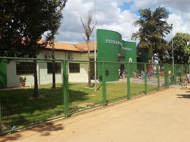 Maioria dos casos teria ocorrido na Escola Municipal Jardim das Palmeiras (Foto: Jefferson Zapelaro/ TVCA)