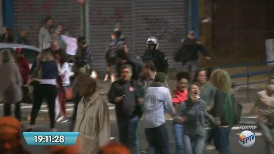 Manifestações contra reformas do governo interromperam circulação de ônibus na RMC e afetaram serviços