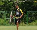 Pereira defende companheiros de  zaga no Sport: 'A culpa é do time todo'