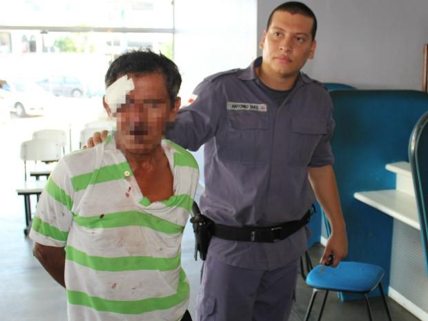 Pedreiro disse que atacou ex-mulher por ciúmes e não queria matar enteada (Foto: Carlos Eduardo Matos/G1 AM)