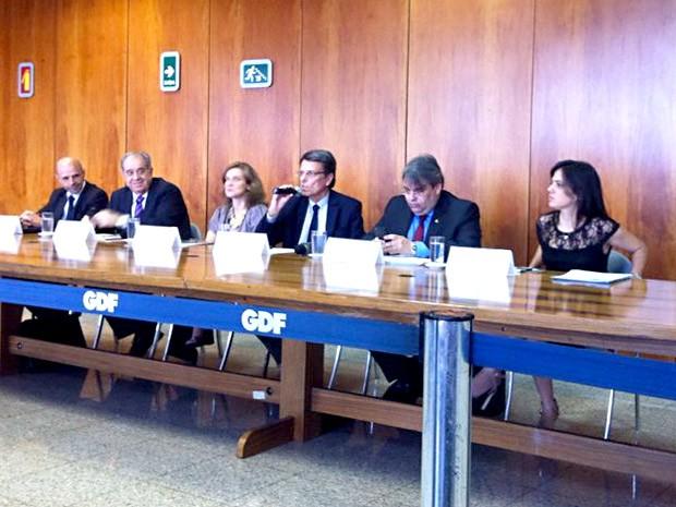 """Representantes do GDF durante anúncio de """"Relatório de Gestão"""", que identificou déficit de R$ 6,5 bilhões para cobrir despesas (Foto: Isabella Calzolari/G1)"""