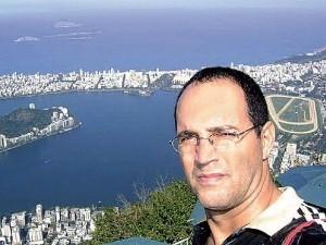 Geovani Pereira, suposto contador de Carlinhos Cachoeira, se apresentou à polícia nesta manhã, em Anápolis, Goiás (Foto: Reprodução/Facebook)