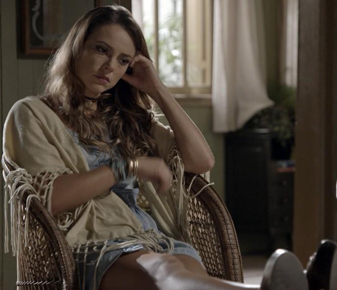 Melissa diz para Ale que foi Lívia quem matou o bebê (Foto: TV Globo)