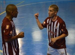 Torcedores apostam em atletas como Lukaian e Cabreúva na Liga Futsal (Foto: Rodolfo Tiengo)